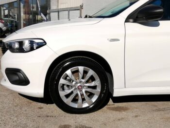 FIAT TIPO 1.3 M-JEAT EASY completo