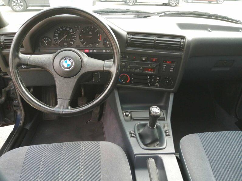 BMW 316i COUPÉ E30 completo